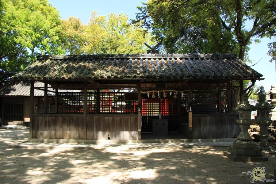 雲甘寺坐楢本神社