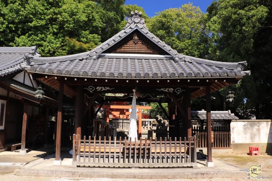 和爾坐赤阪比古神社